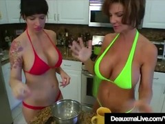 Texas Cougar Deauxma Eats Angie Noir's Pussy In The Kitchen! Thumb